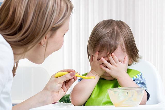 Nên nêm nếm nhạt cho trẻ hơn một chút